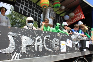 Scouts and guides recreate Major Tim's space adventure